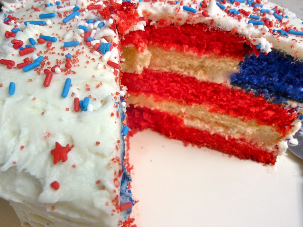 Cake-with-american-flag-inside