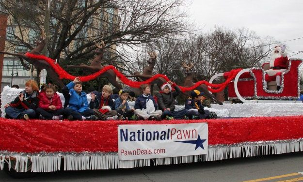 Rains Nearly Hold Off For Chapel Hill-Carrboro Holiday Parade