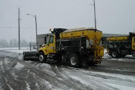 Staying Safe On The Roads During Snow Storms
