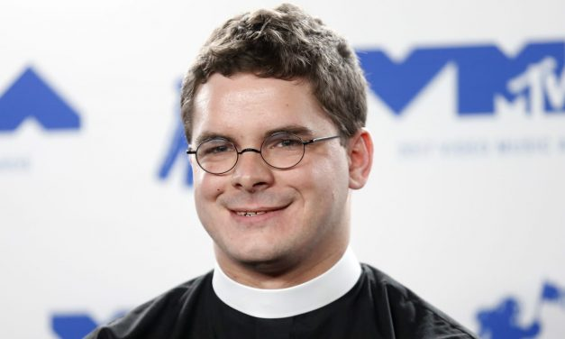 Lee Descendant Resigns as Church Pastor Over MTV statement