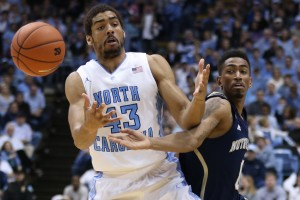 McAdoo battling for the ball (Todd Melet)