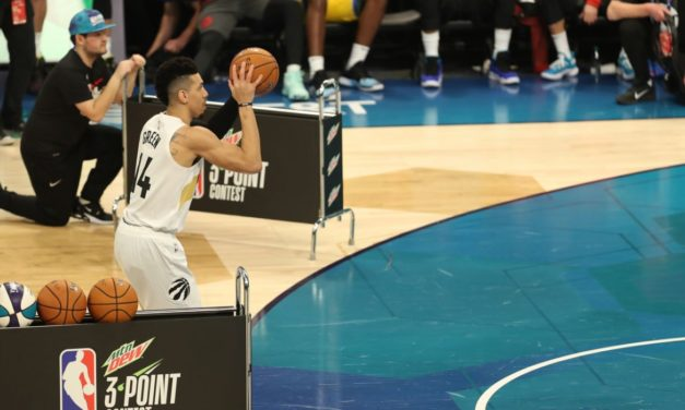 Danny Green Ties for Fourth in NBA Three-Point Contest