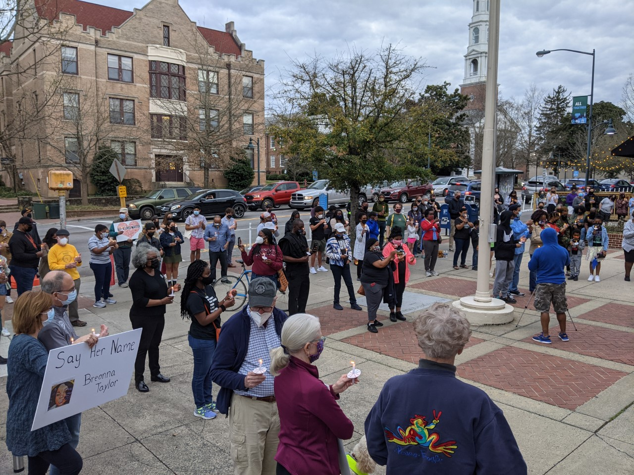 Arlington protesters mark the one-year anniversary of Breonna Taylor's death